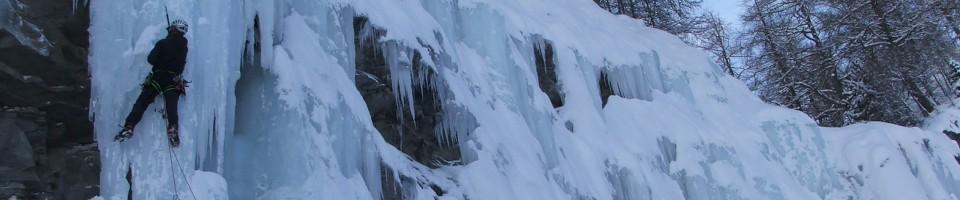 ecole de cascade glace dans les hautes alpes