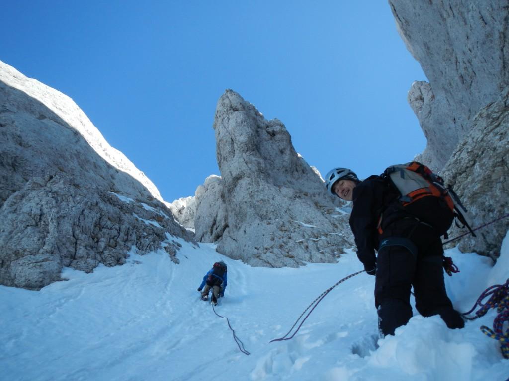 alpinisme hivernal et goulotte avec un guide proche de Grenoble